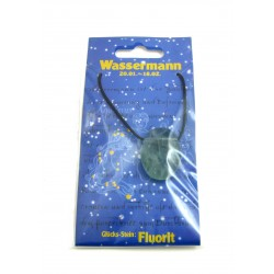 Linsenstein gebohrt mit Band auf Astro-Karte  Wassermann/Fluorit