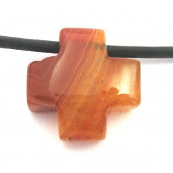 Kreuz gebohrt Carneol (erhitzt) 15 mm