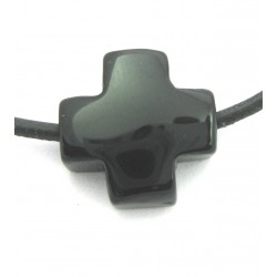Kreuz gebohrt Onyx (gefärbt) 15 mm