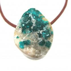 Dioptas Kristall Gruppe gebohrt 2-3 cm