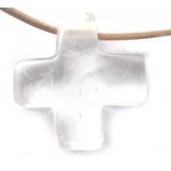 Kreuz gebohrt Bergkristall 3 cm