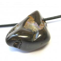 Trommelstein gebohrt Opal Boulder B